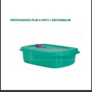 New Tupperware Crystalwave plus rectangular 4cup